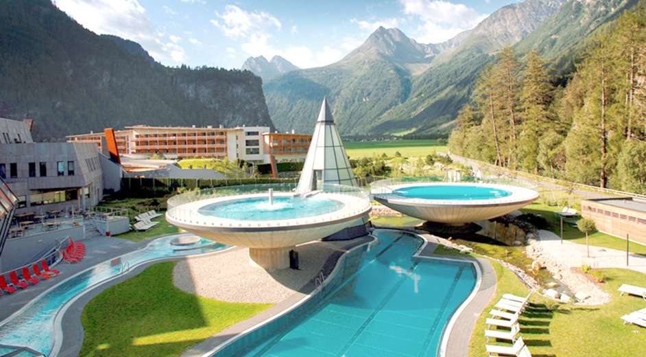 The aqua dome hotel austria suzzstravels for Luxury hotels austria